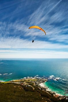 What to do in Africa: July -Paragliding in Cape Town. This is not to be missed on a trip to Cape Town. What better way to see the stunning shape of South Africa's mother city than from the air. Activities In Cape Town, Cape Town Tourism, Audley Travel, Visit South Africa, Safari Holidays, Camping Games, Adventure Activities, Paragliding, Top Destinations