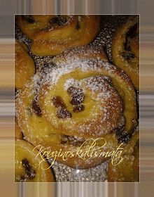 ΚουζινοΣκαλίσματα: Ρολάκια με κρέμα και σταφίδες Sweet Buns, Sweet Pie, Greek Desserts, Greek Recipes, Mediterranean Breakfast, Fruit Pie, Mini Cheesecakes, Afternoon Tea, Food To Make