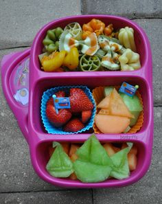 Bentoriffics sailing bento lunchbox in @Goodbyn Lunchbox plant based vegan lunch
