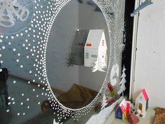 Schaufenster Kunstschule Weisestrasse Berlin, bemalt zusammen mit Kindern