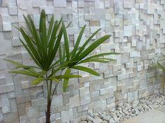 revestimento-de-parede-externa-pedra Interior Walls, Pedra Sao Tome, Natural Stone Wall, Design Rumah, Wall Cladding, Condo Kitchen, Dinner Room, Textured Walls, Wall Design