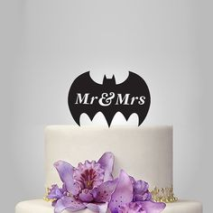Mr and Mrs Wedding Cake topper with batman silhouette, funny cake topper, unique topper, Batman Wedding Cake Topper, Superhero Wedding Cake, Wedding Topper, Mr And Mrs Wedding, Our Wedding, Dream Wedding, Wedding Ideas, Wedding Stuff, Movie Wedding
