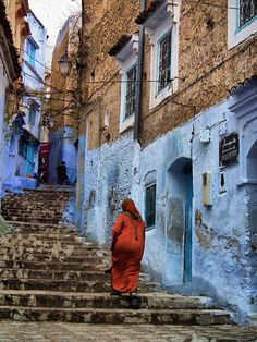 always color in morocco Stairs To Heaven, World Street, Marrakech, Tangier Morocco, Holiday Places, Morocco Travel, Building Art, Photos Du, The Good Place