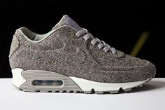 NIKE AIR MAX 90 VT     aka hipster grandpa shoes