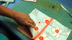How to Make a Zipper Wristlet or Makeup Cosmetic Bag Pouch (+playlist)