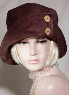 Pin by mihaela on winter hats in 2019 mössa, kläder, hattar 1920s Hats, Vintage Outfits, Vintage Fashion, Women's Fashion, Flapper Hat, Hat Patterns To Sew, Diy Hat, Fancy Hats, Love Hat