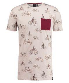 T-shirt cycling print. Foto door Exposar voor Kultivate.  #productfotografie #invisibleman