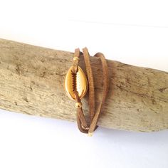 Cowrie Bracelet // Bracelet coquillage - MARIDOU - Gold Shell // Coquillage Or
