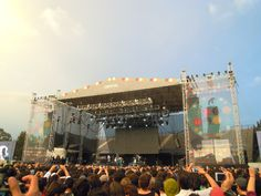 Cat Power live at Corona Capital Festival 2012.