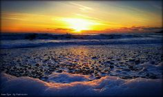News about Pembrokeshire on Twitter Sunset at Freshwater West @ruthwignall @ItsYourWales @DerekTheWeather @NTStackpole @NTWales @BBCWthrWatchers #ntpembs  #sunset