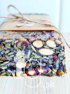 Špeciálny orechovo-semienkový chlieb bez múky Camembert Cheese, Ale, Dairy, Board, Recipes, Ale Beer, Ripped Recipes, Cooking Recipes