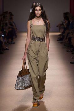 Salvatore ferragamo ready-to-wear - spring 2019 look Urban Fashion, Love Fashion, Runway Fashion, Fashion Outfits, Fashion Trends, Cheap Fashion, Affordable Fashion, Fashion Photo, Fashion Fashion