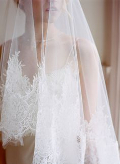 Veils + Hair accessories: Annemarie Veils and Adornments - Love is in Bloom Inspiration Shoot by Laura Murray Photography - via Grey likes weddings