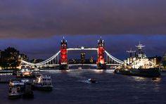 London Bridge Tricolore
