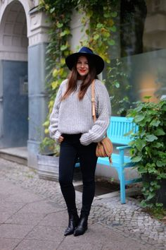 Blogger Style | Jessie Weiß (Journelles): grey knit sweater x hat x black skinny jeans x acne jensen boots x chloé marcie bag   #falloutfit #falldressing