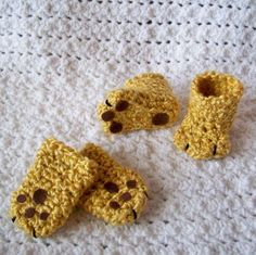 Lion Paws Booties and Mittens  http://www.craftsy.com/pattern/crocheting/accessory/lion-paws-booties-and-mittens/38871#