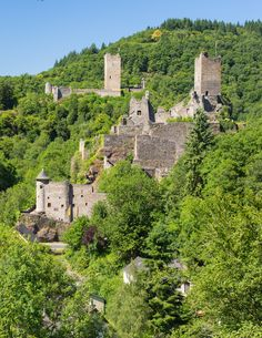 Niederburg und Oberburg in Manderscheid. Such a beautiful area! I loved hiking here when we lived in the Eifel!