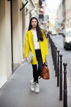 ZARA yellow coat, Palladium boots, streetstyle, model off duty, Stockholm streetstyle, outfit inspiration