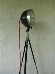 Scheinwerfer - Stativlampe...Tripod Stehlampe von MaDütt auf DaWanda.com