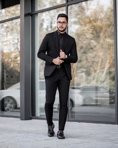 In black monochrome look you will be hot and stylish 😎 Mens Suits, Work Wear, Monochrome, Normcore, Stylish, Hot, How To Wear, Pants, Collection