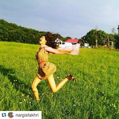 "missmalini: ""It's been four years since #Rockstar and #NargisFakhri is getting a little nostalgic! Love this photo   #Repost @nargisfakhri with @repostapp.  The little things make me happy. Like trees birds and fresh air....Me acting crazy & enjoying all the greenery while shooting for #Rockstar remembering rockstar """