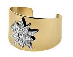 DYRBERG KERN IONA Beautiful wide cuff in gold plated stainless steel with star made with SWAROVSKI ELEMENTS.