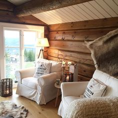 Farmhouse Style Kitchen, Home Decor Kitchen, Cabin Homes, Log Homes, Log Cabin Living, Highland Homes, Rustic Home Design, Lodge Style, Cozy Nook