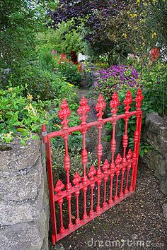 great way to include even 1 piece of iron fencing// possible trellis even
