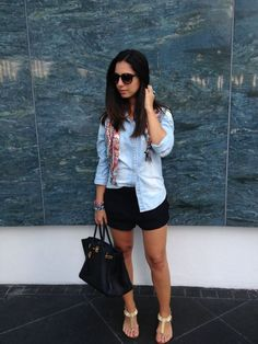 139, Short Jeans, Get The Look, Jean Shorts, Ideias Fashion, Leather Skirt, Women's Fashion, Skirts, Style