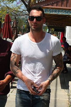 Maroon 5 singer Adam Levine was spotted leaving the Mustard Cafe in Los Feliz with friends wearing black Céline Original 1732 sunglasses