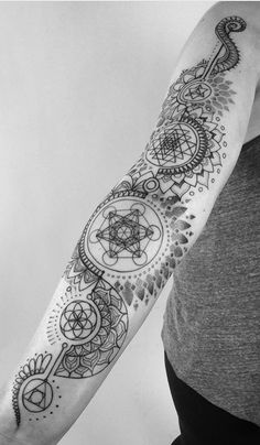 Geometric Sleeve Tattoo, Geometric Tattoo Design, Tattoo Sleeve Designs, Tattoo Designs Men, Leg Tattoo Men, Back Tattoo, Leg Tattoos, Body Art Tattoos, Female Tattoos