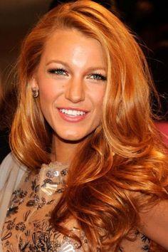 Blake Lively capelli rossi carota molto accesi