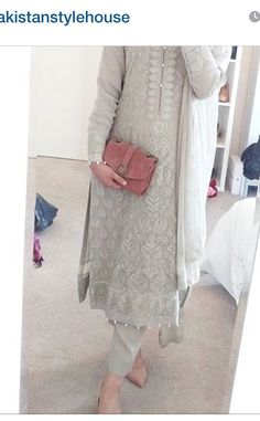 68 Ideas For Dress Casual Wedding Guest Clothes Pakistani Dresses, Indian Dresses, Indian Outfits, Indian Look, Indian Ethnic Wear, Trendy Suits, Indian Designer Suits, Desi Wear, Desi Clothes