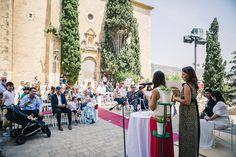 Casament plaça de l'Església Vella a Sant Pere de Ribes www.eventosycompromiso.com