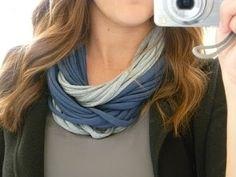 Tee-shirt scarf.