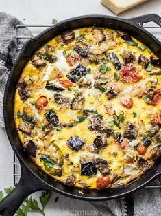 Healthy Recipes Ratatouille Frittata combines the rich and complex flavors of ratatouille with the ease of an egg frittata. Great for low carb dieters or using up that summer bumper crop! Healthy Recipes, Vegetarian Recipes, Cooking Recipes, Vegetable Recipes, Egg Recipes, Potato Recipes, Kebabs, Low Carb Breakfast, Breakfast Recipes