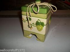 MSRF, Inc. Ceramic Sugar Packet Tea Bag Dispenser Green Grapes