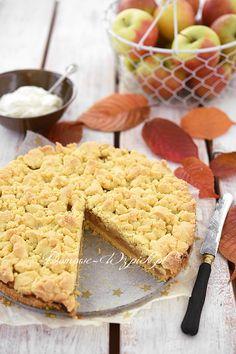 Pyszna i prosta szarlotka bez glutenu i bez jajek. Chrupiące ciasto i chrupiąca kruszonka, a pośrodku soczyste jabłka. Bardzo smaczne...