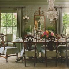 Elegant dining room - Joe Nye the chair slip covers Green Dining Room, Dining Room Table Decor, Elegant Dining Room, Beautiful Dining Rooms, Dining Room Design, Room Chairs, Diningroom Decor, Classic Dining Room, Dining Set
