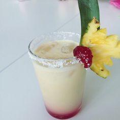 Kokosnuss küsst frische Säfte - hol dir einen Schluck Karibik in den Mund und probiere unser ultimatives Rezept für den Coconut Kiss.