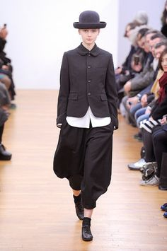 Creating the Men Minimalist Fashion Wardrobe Dope Fashion, Runway Fashion, Womens Fashion, Fashion Trends, Nail Fashion, Fashion Black, Japanese Outfits, Japanese Fashion, Black And White Hats