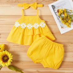 Baby / Toddler Sunflower Strappy Top and Shorts with Headband Set - Yellow Baby Girl Pants, Cute Baby Girl Outfits, Girls Summer Outfits, Dresses Kids Girl, Cute Baby Clothes, Dress Girl, Baby Girl Dress Patterns, Baby Dress Design, Baby Girl Fashion