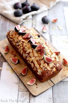 Cake salé aux figues, chèvre et miel