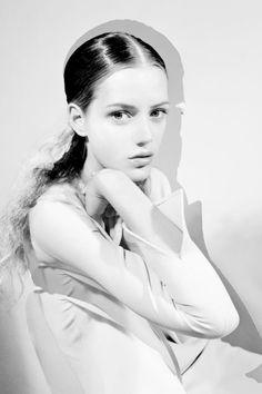 Esther Heesch shoot by Marek Chorzepa