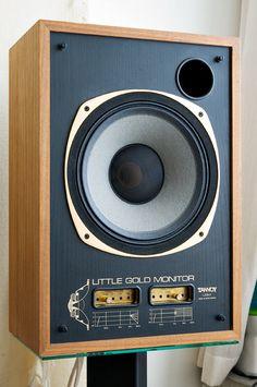 Vintage audio Little Gold Monitor speakers Tannoy Audiophile Speakers, Monitor Speakers, Hifi Audio, Stereo Speakers, Sound Speaker, Audio Sound, Recording Equipment, Audio Equipment, Valve Amplifier