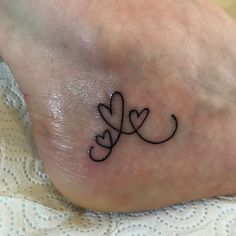 Tattoos for women Twin Tattoos, Baby Tattoos, Family Tattoos, Sister Tattoos, Friend Tattoos, Body Art Tattoos, Tattoos For 3 Sisters, Wrist Tattoos For Women, Tattoos For Kids
