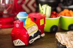Se a verba estiver curta, improvise vagões com potinhos plásticos coloridos