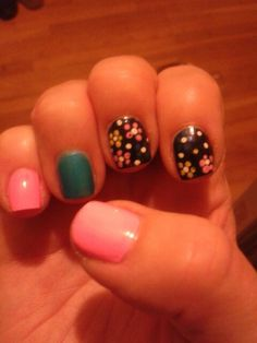 Mini flowers Spring 2015, Nails, Mini, Flowers, Beauty, Finger Nails, Ongles, Royal Icing Flowers, Beauty Illustration