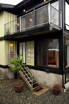 another awesome container home.