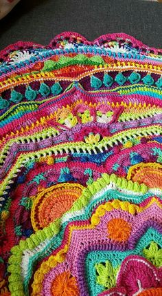 Mandala Madness - Free Pattern on Ravelry ... This one is by C. Lola - Summer Color Explosion